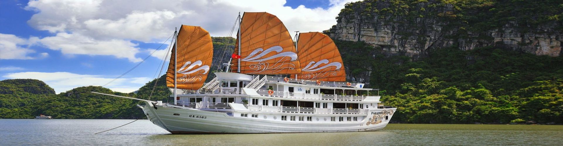 Luxury Halong Cruises