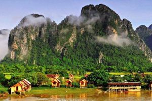 Fantastic Circle Of Northern Laos Tour
