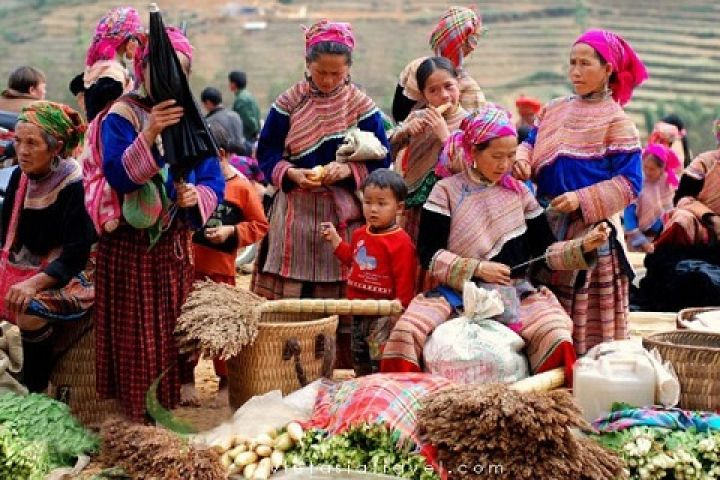 3 Days Sapa Villages & Market Tour By Train