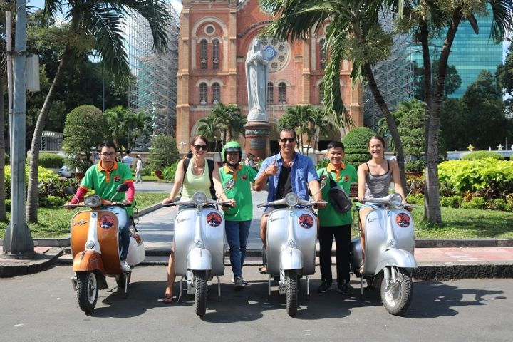 Saigon Morning Tour By Vespa