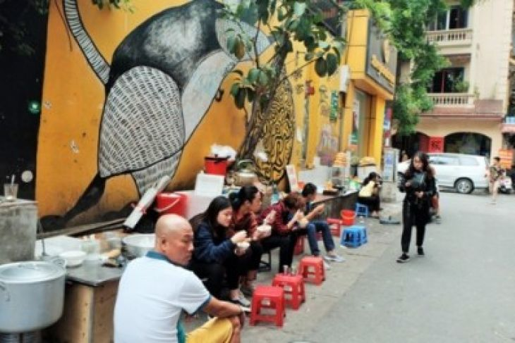 A Culinary Experience Turns Soulful On A Hanoi Downtown Street