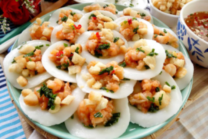 Eating Banh Khot In Vietnam