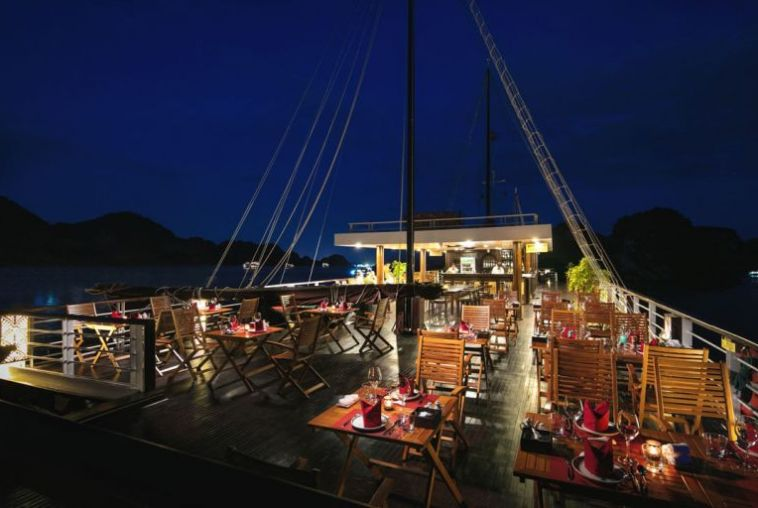 Perla-Dawn-Sails-Restaurant-2