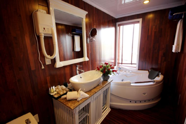 Bathroom Junior Cabin
