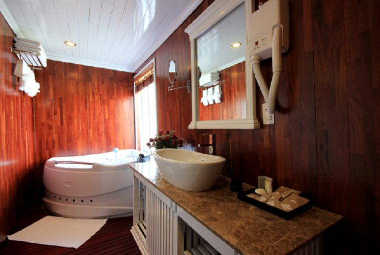 Bathroom Senior Cabin